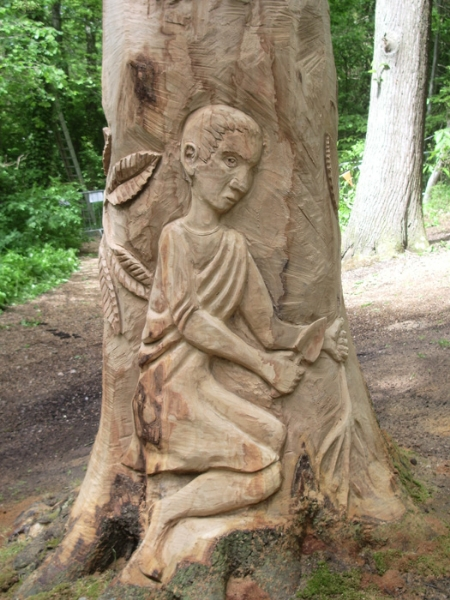 Photo 14 - Romano-Briton - detail from the World's tallest carved tree